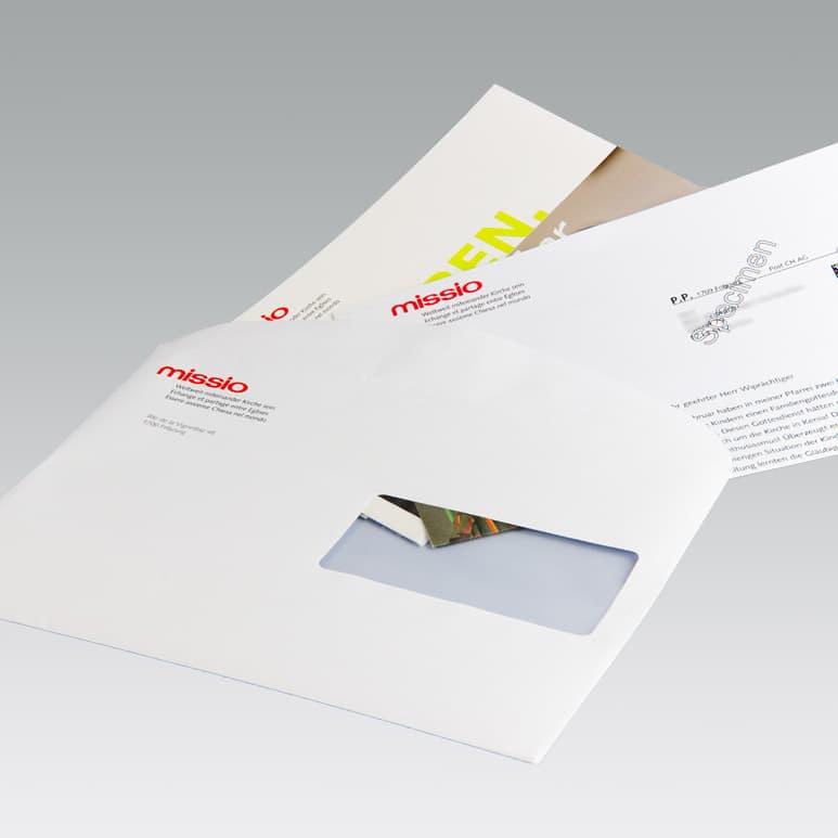 Mailing mit verschiedenen Beilagen